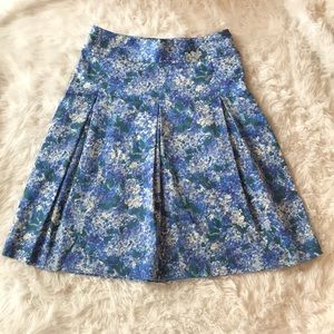 Talbots hydrangea A-line skirt. Size 10 Like new